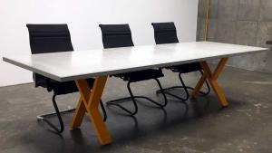 میز بتنی